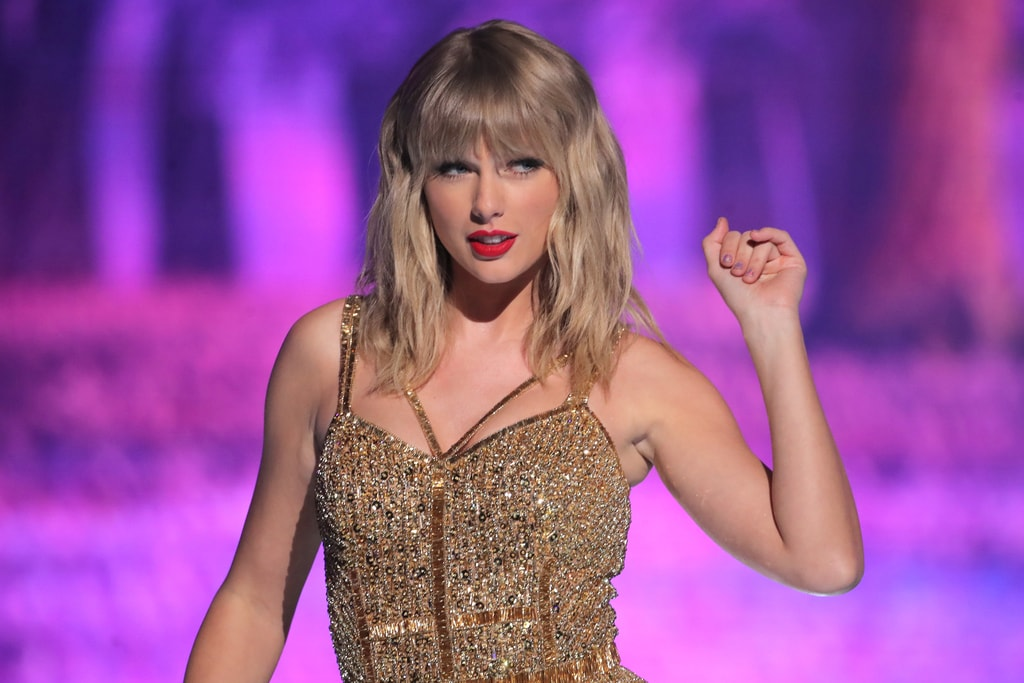 Taylor Swift at the 47th Annual American Music Awards, Show, Microsoft Theater, Los Angeles, USA - 24 Nov 2019