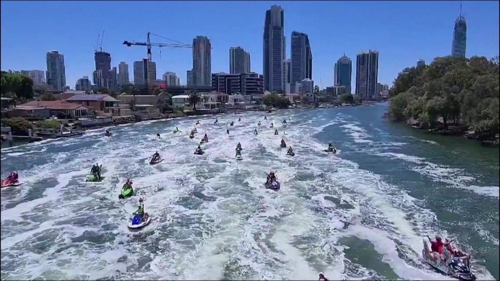 156 Santas on Jet Ski for Guinness Record