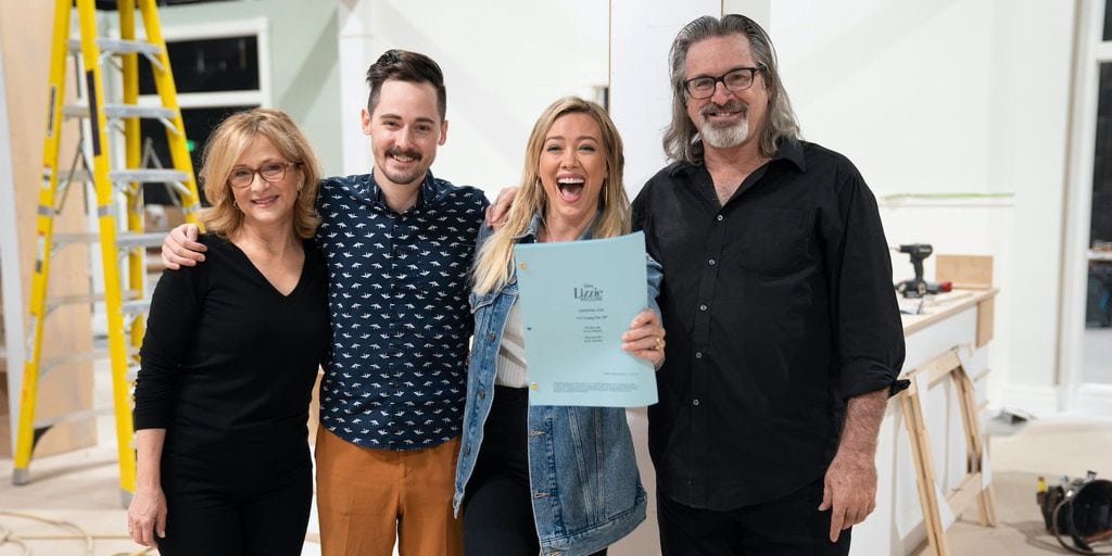 The original cast members of Lizzie McGuire ready to film a reboot for Disney+ in 2019.